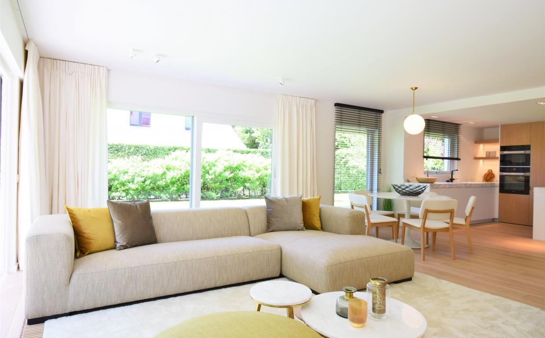 Exclusieve loungezetel, loungezetel, canape deluxe, casa nova interieur, vastgoedstyling, propertystyling, verkoopsstyling